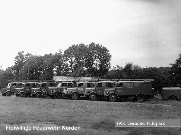 Historische Gerätschaften und Fahrzeuge