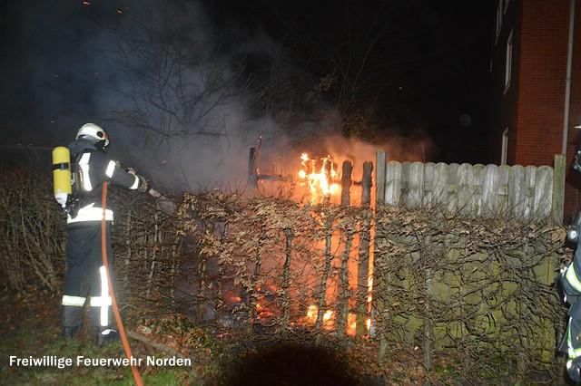 Brennender Müllverschlag, 25.12.2015