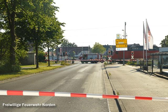Gesperrter Bahnübergang,02.07.2015