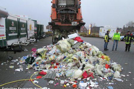 Müllwagen in Brand geraten, 18.11.2013